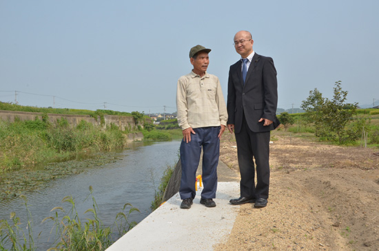 河川堤防の改修工事が完了(高松市西植田町)